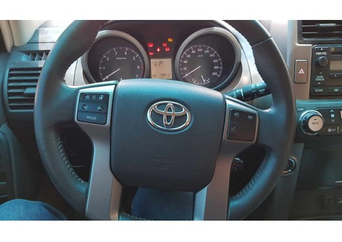 Toyota Land Cruiser PRADO V6 4.0LTXL 2013 non smoking