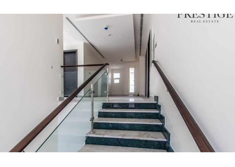 New Independent 6 Bed Villa + Big Swimming Pool.