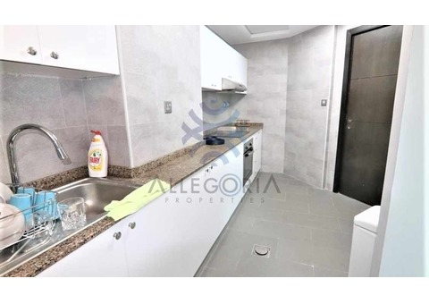 2 Beds+Storage Fully Furnished and Upgraded