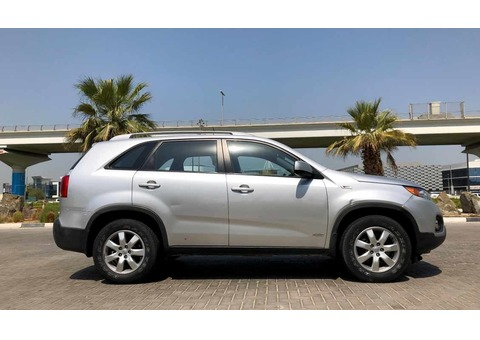 ACCIDENT FREE! 2012 KIA SORENTO 2.4 GCC AWD European Expat Owned..