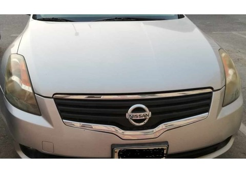 Family used Nissan Altima 2008 for urgent sale