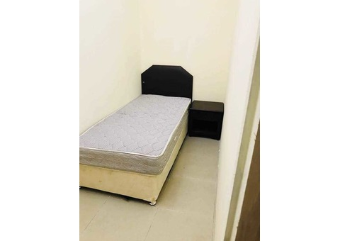 room for rent in tecom 4 min walk  internet metro station