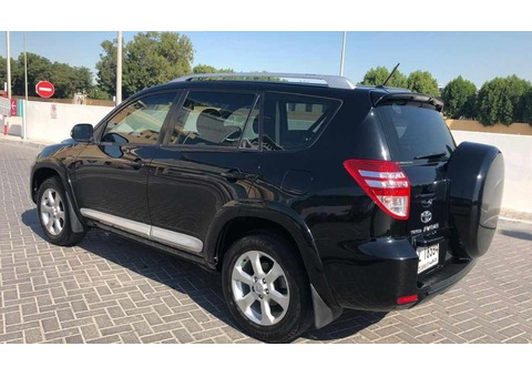 Low mileage 2012 Toyota RAV4 agency maintained