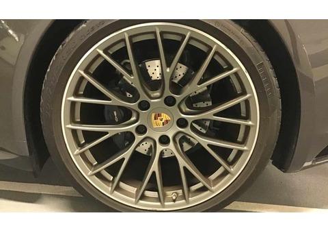 2017 Porsche 911 Carrera 4 3.0L