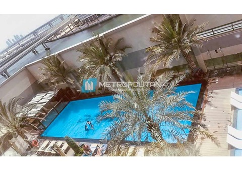 Fully furnished/pool and lake view/easy access