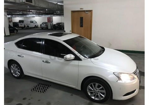 2016 Nissan Sentra Full Option 1.8L with Sunroof | Full Nissan Service History | Warranty GCC Specs