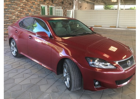 LEXUS/ IS250/ 2013 *CALLING FOR BEST OFFER*