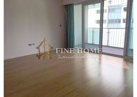 Beautiful Sea View, 2BR Apartment with Balcony.