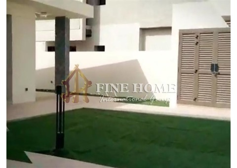 5BR Villa for sale in Golf Front Row, Yas Island