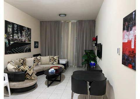 Fully Furnished 1BHK near to metro station Direct from owner | flexible with number of Cheques