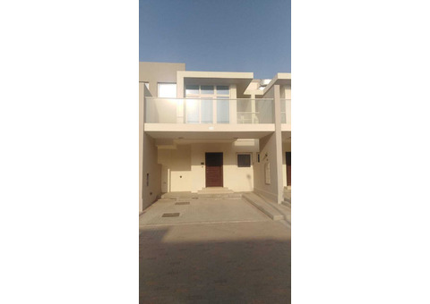 3 bedroom townhouse for rent in Basewood@Akoya