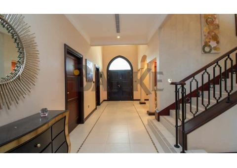 Price Dropped. Canal Cove Villa in Palm